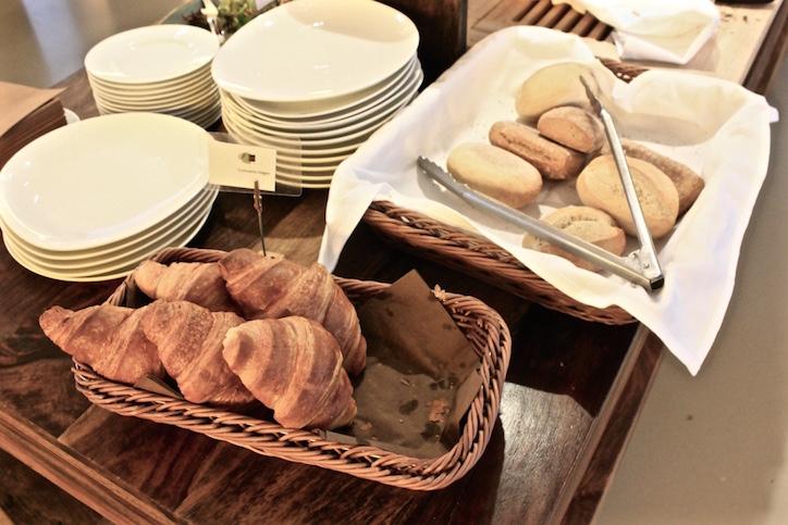 vegan-croissants-breakfast-almodovar-hotel-bistrot-bardot-berlin.jpg