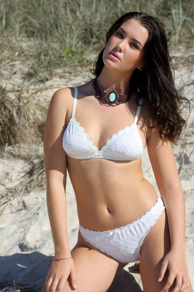 organic-cotton-eco-sustainable-bra-lingerie-made-ethically-madonna-bain.jpg