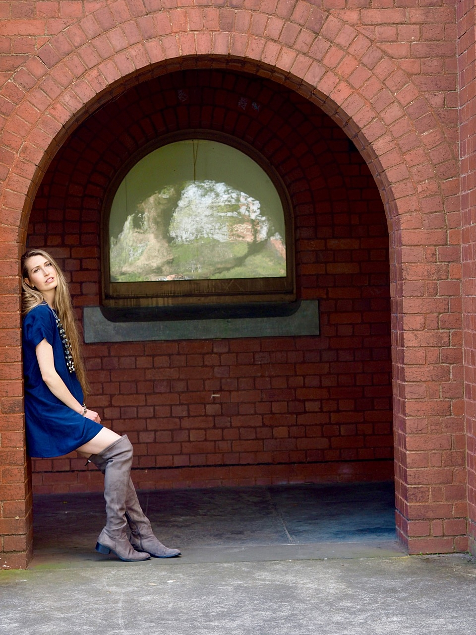 Ethical Fashion Blogger Australia. Sustainable outfit featuring eco-friendly dress and vegan boots.