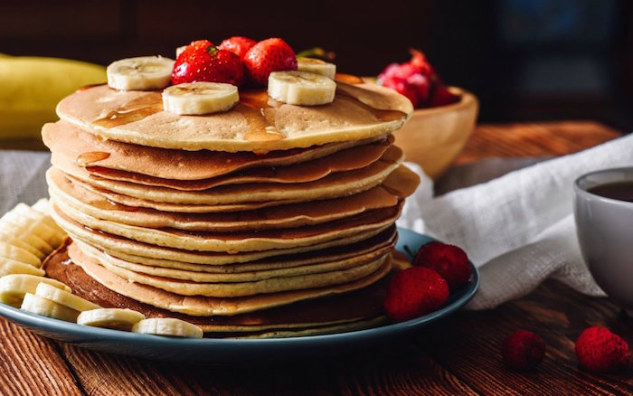Easy 4 Ingredient Vegan Pancakes -
