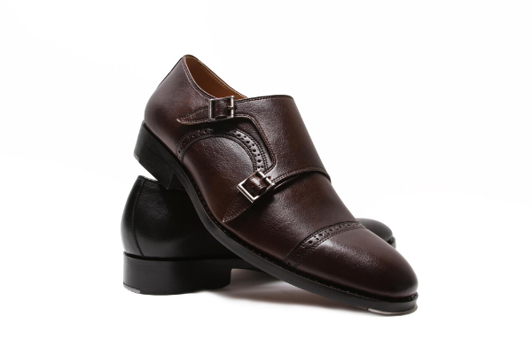 Vegan shoe brands making non-leather and ethical dress shoes for men.