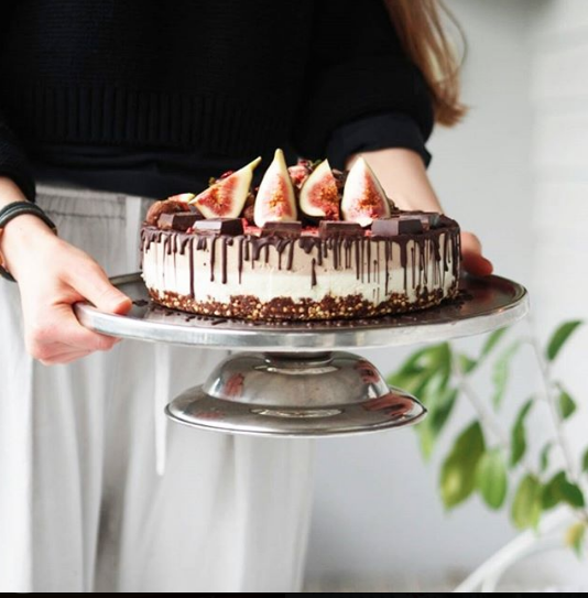 white chocolate and fig vegan cheesecake.png