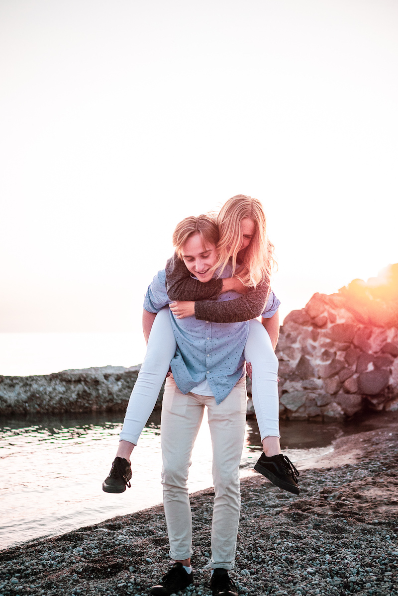 If you don't want to succumb to the commercialisation of Valentine's Day - and we're with you on that - here are 14 ideas that are all about shared experience and attention. Because isn't that what a celebration of love should be about?