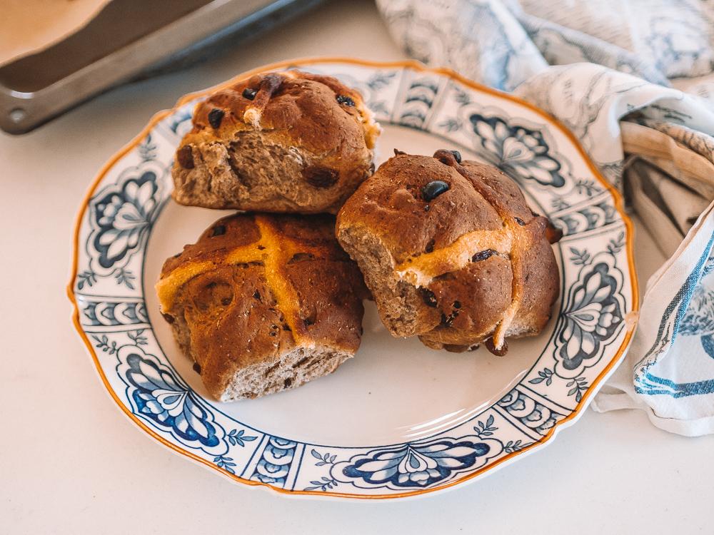 vegan recipe hot cross buns wholemeal spelt olive oil.jpg