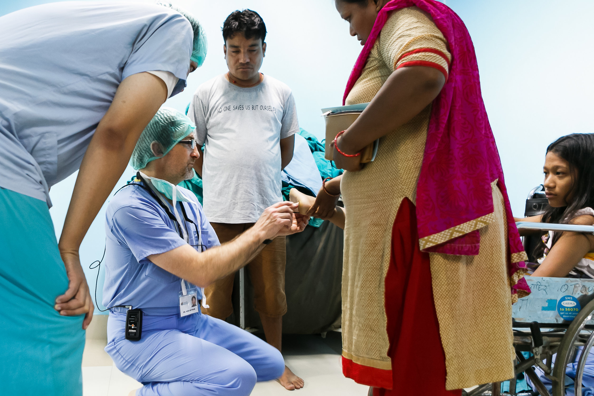 Volunteer doctors and nurses in Medical Mission to Nepal