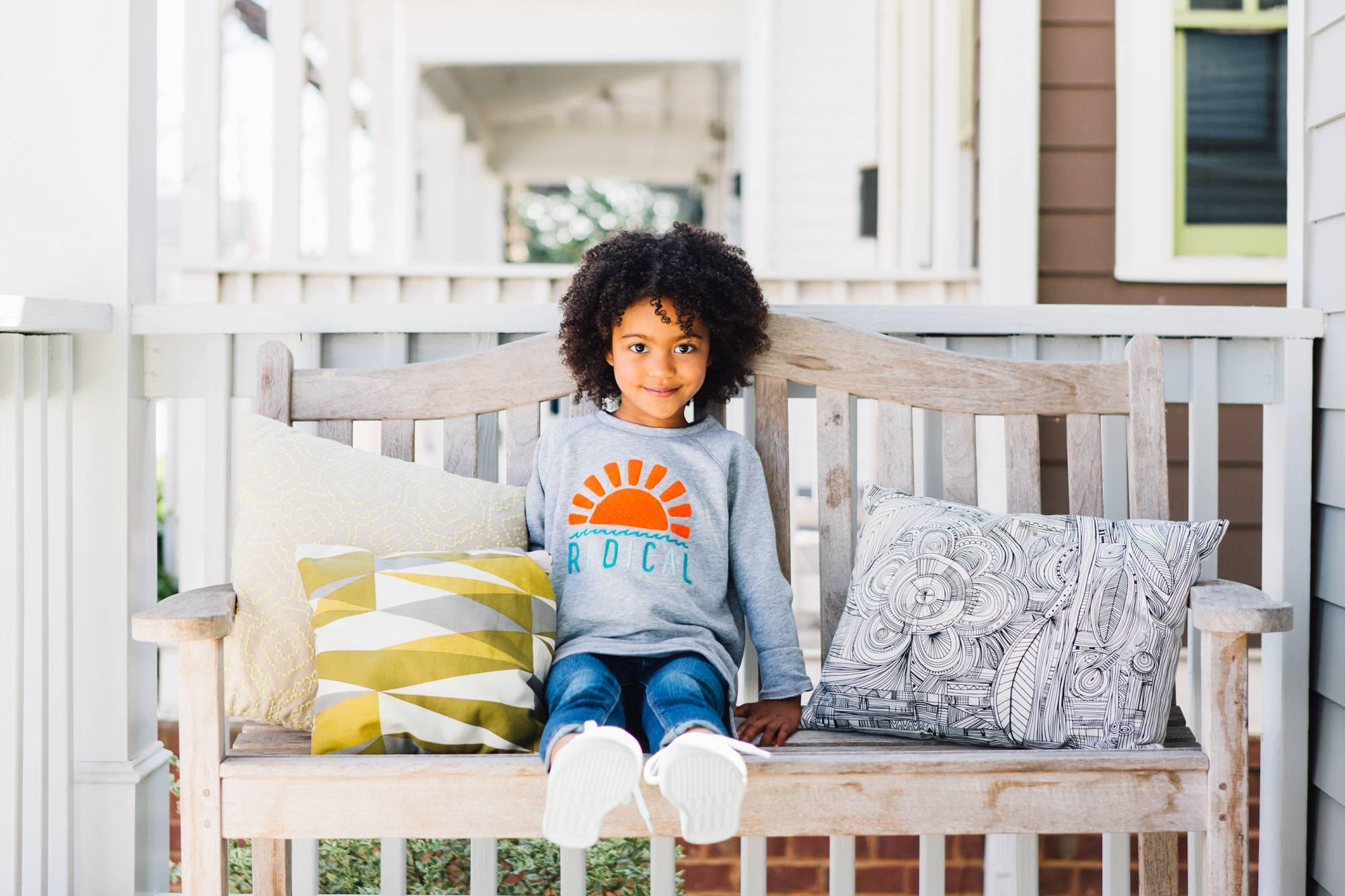 lifestyle photographer commercial   children model porch