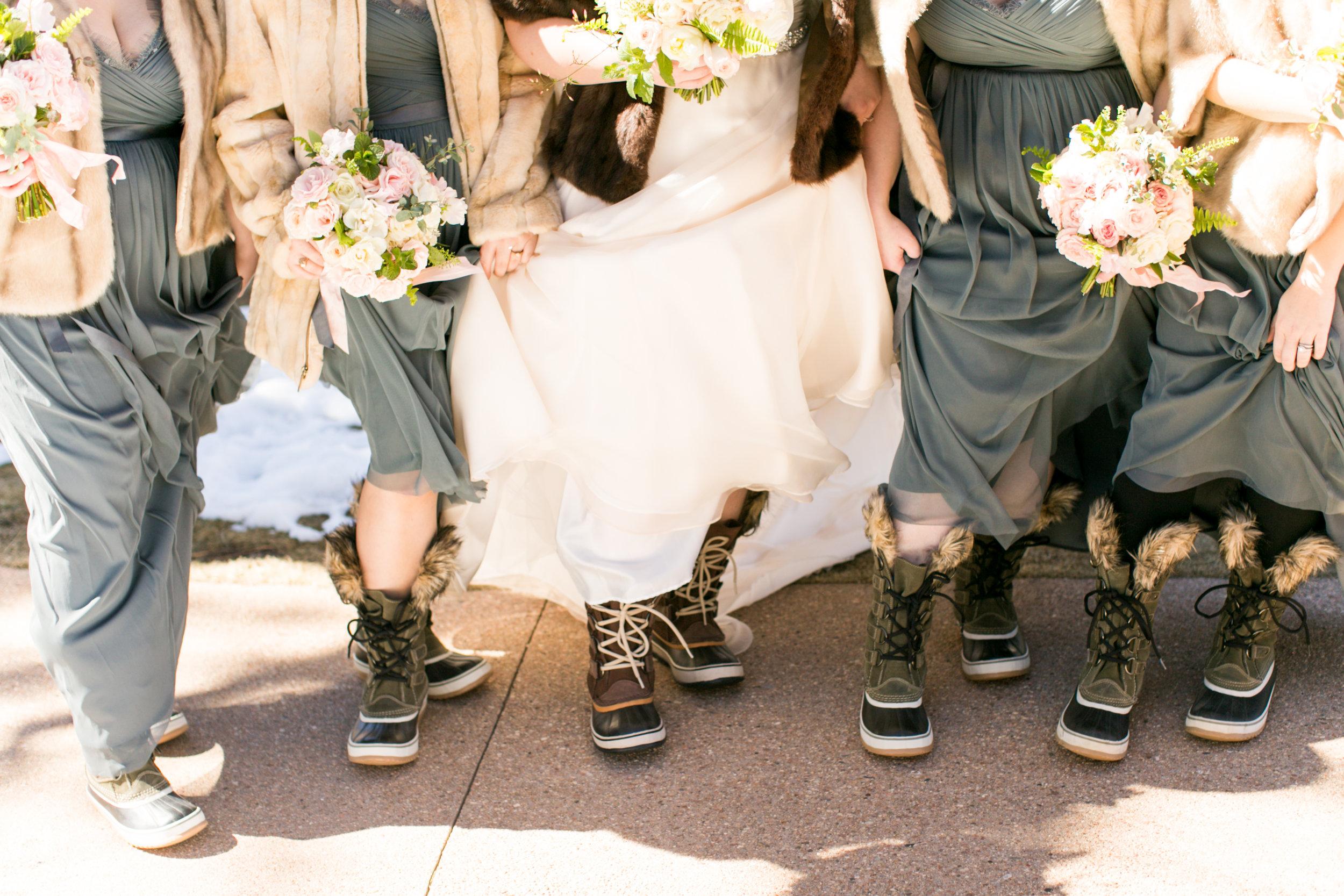 Twin_Owls_Steakhouse-wedding_photographer_Estes_Park_Lisa_ODwyer-180.jpg