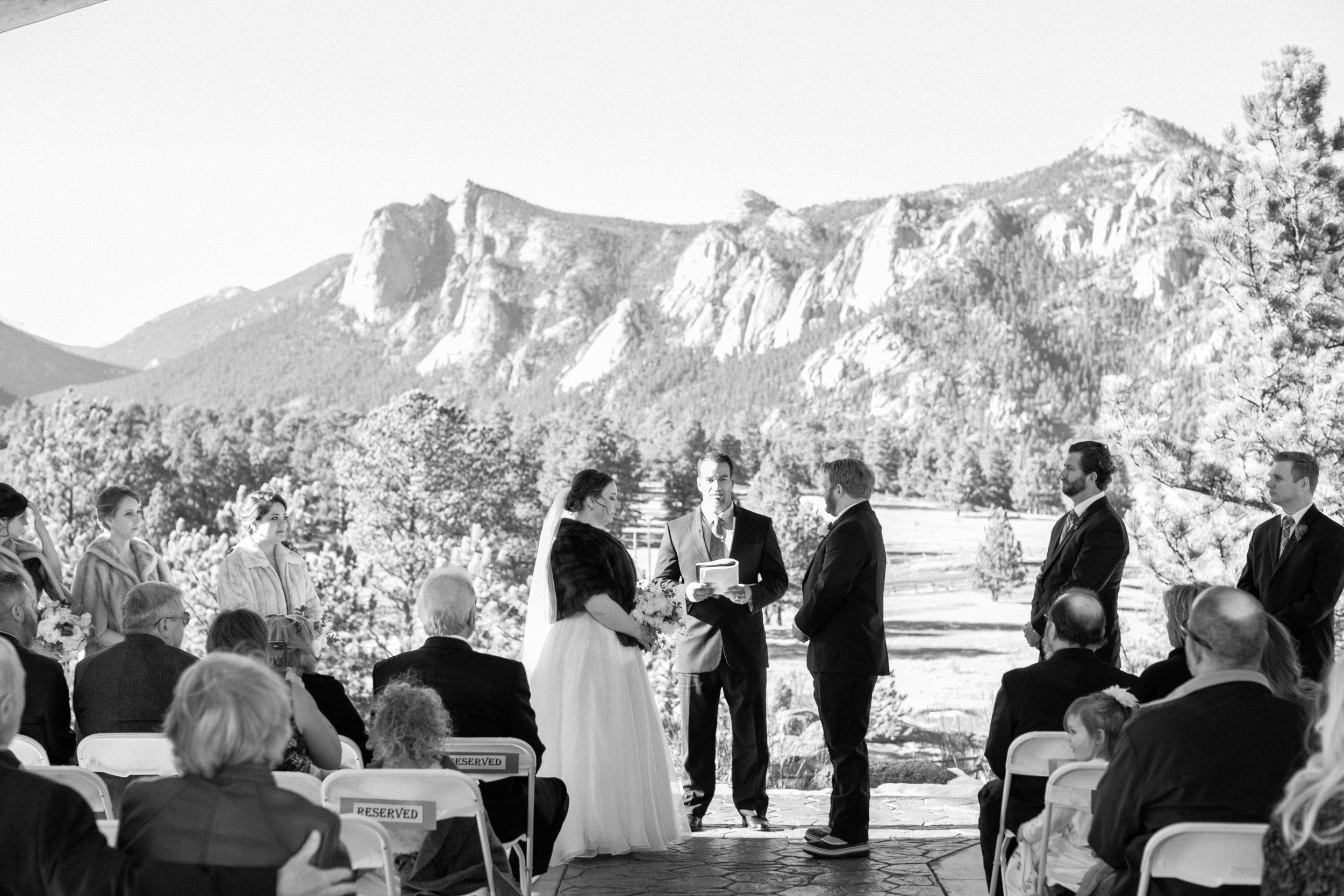Twin_Owls_Steakhouse-wedding_photographer_Estes_Park_Lisa_ODwyer-367.jpg