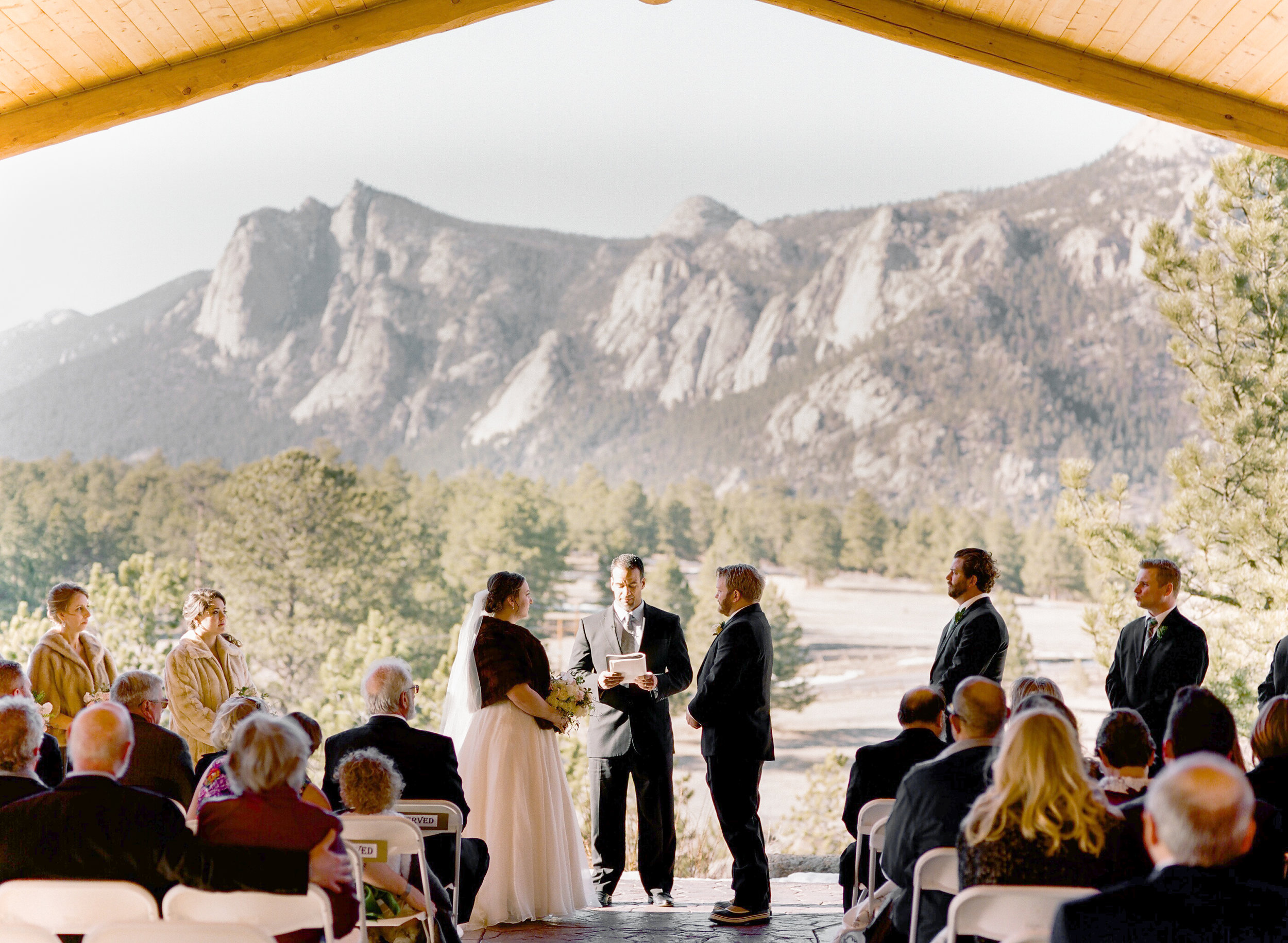 Twin_Owls_Steakhouse-wedding_photographer_Estes_Park_Lisa_ODwyer-527.jpg