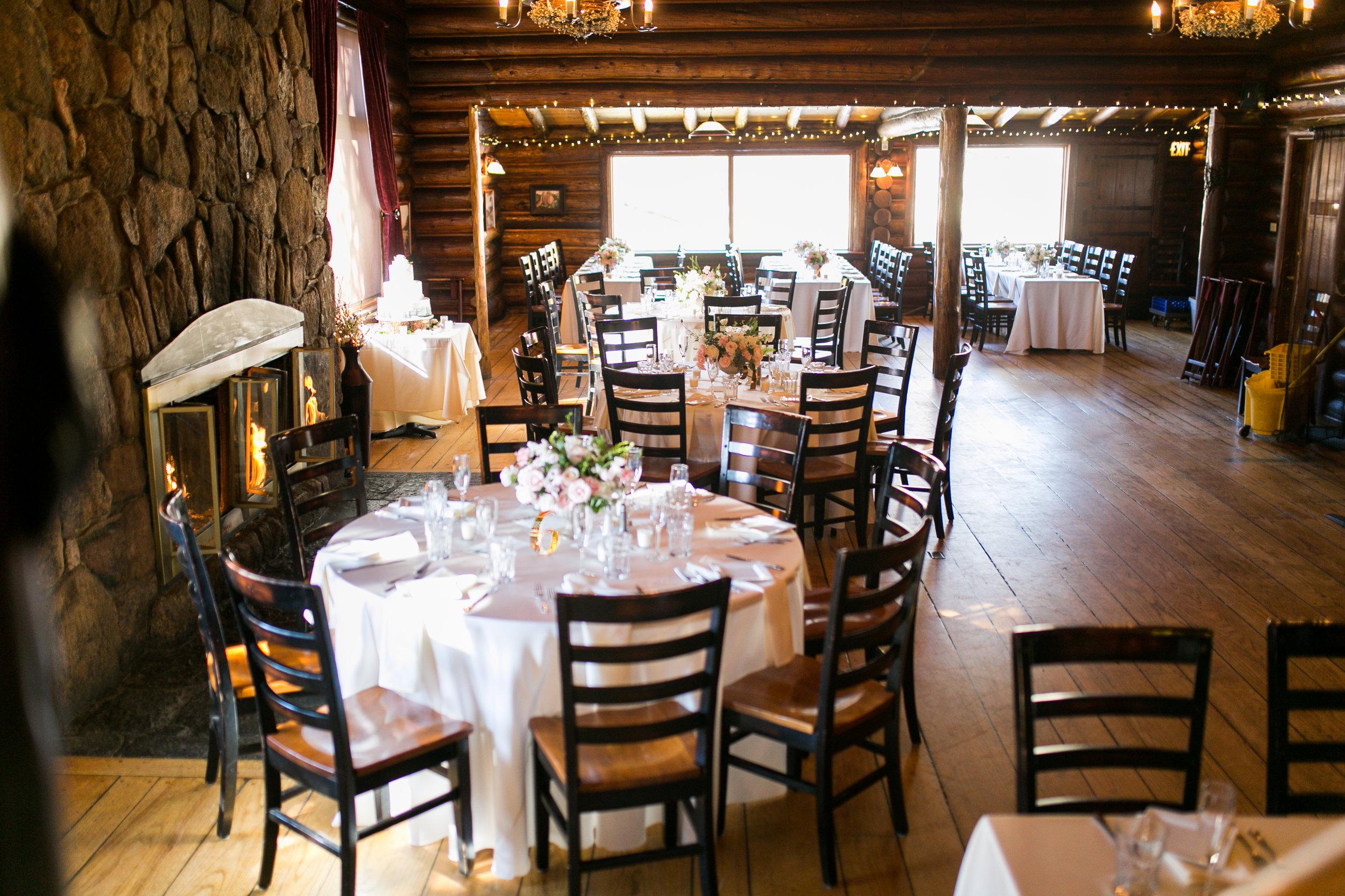 Twin_Owls_Steakhouse-wedding_photographer_Estes_Park_Lisa_ODwyer-532.jpg