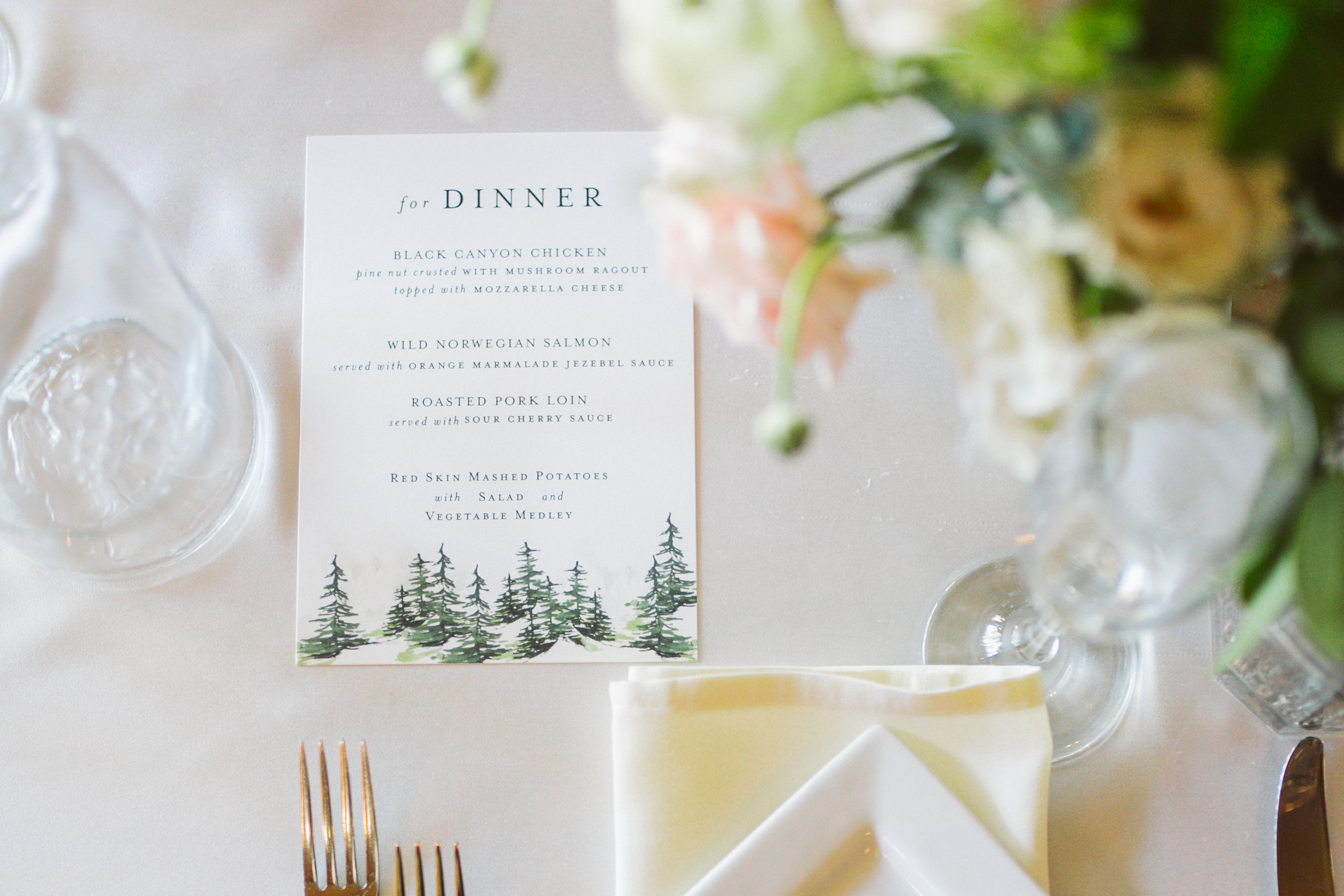 Twin_Owls_Steakhouse-wedding_photographer_Estes_Park_Lisa_ODwyer-566.jpg