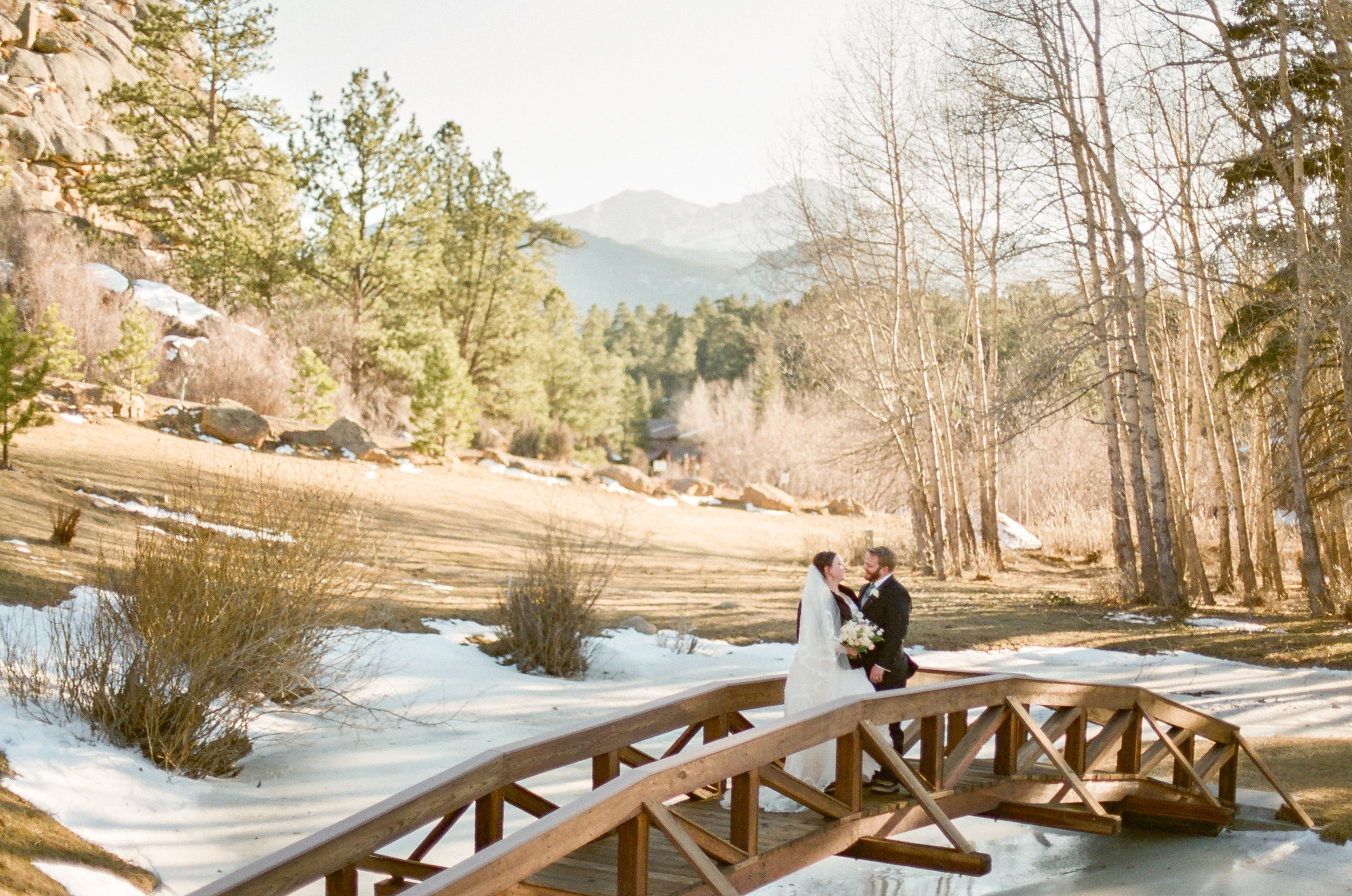 Twin_Owls_Steakhouse-wedding_photographer_Estes_Park_Lisa_ODwyer-679.jpg