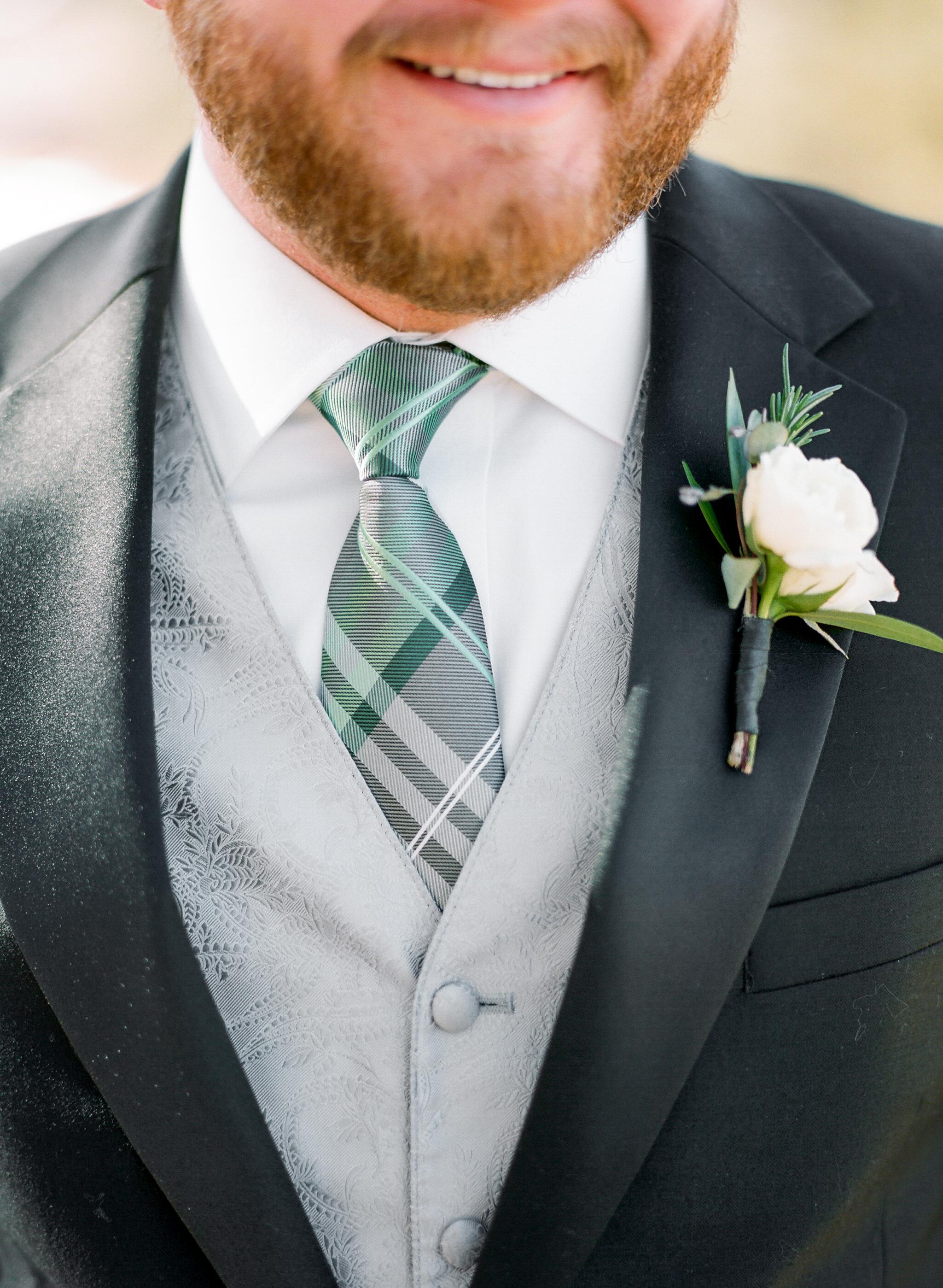 Twin_Owls_Steakhouse-wedding_photographer_Estes_Park_Lisa_ODwyer-701.jpg