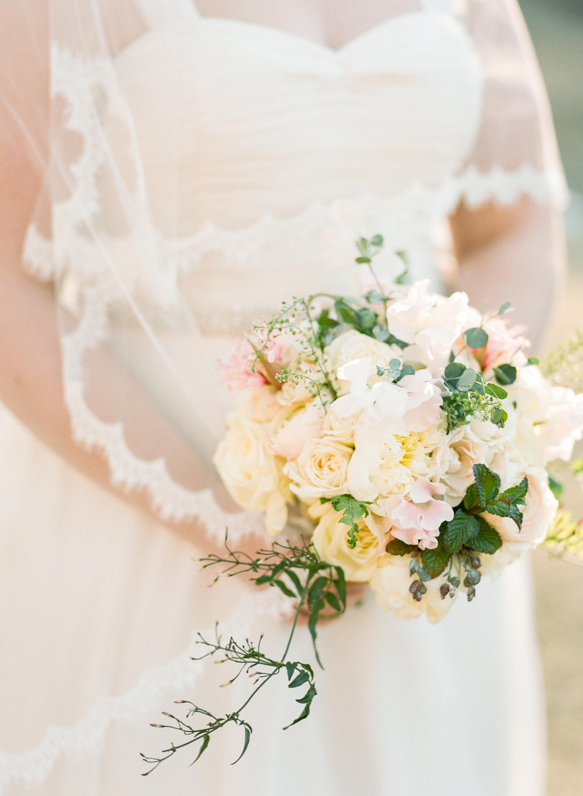 Twin_Owls_Steakhouse-wedding_photographer_Estes_Park_Lisa_ODwyer-769.jpg