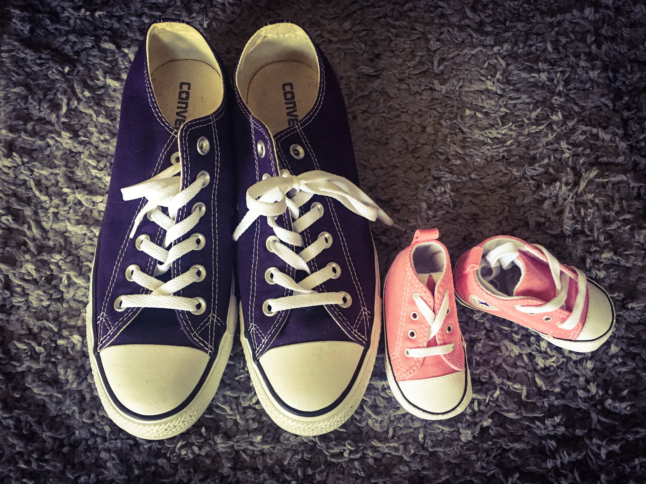 Twinnin' for our first road trip! Chucks for all!