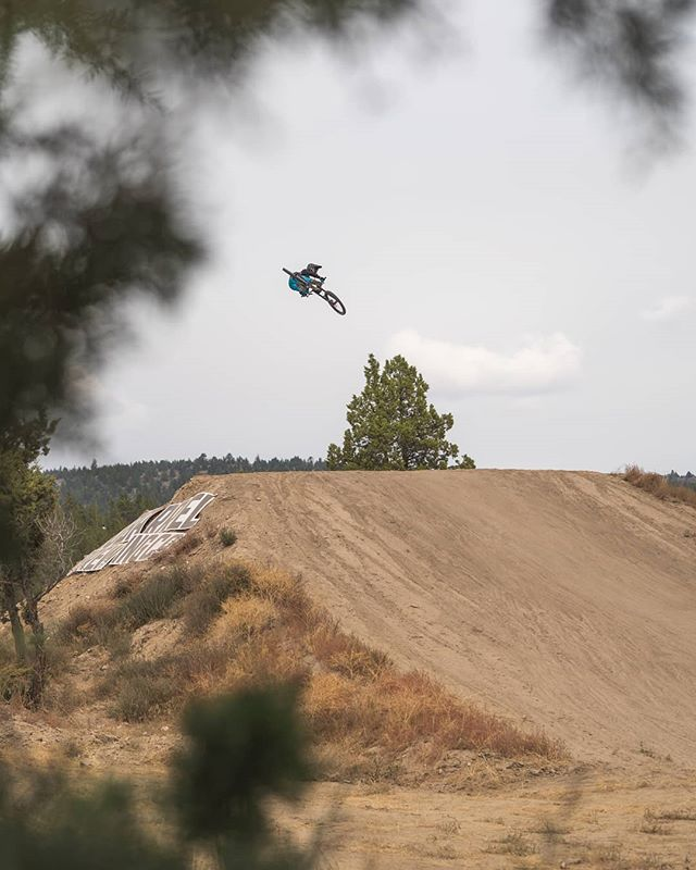 @jaxsonriddle came to play hard. . . . #blacksage #blacksageor #transitionbikes #bikes #mtb #redbull #ryder #provinggrounds #provinggroundsor #whipoff #winner