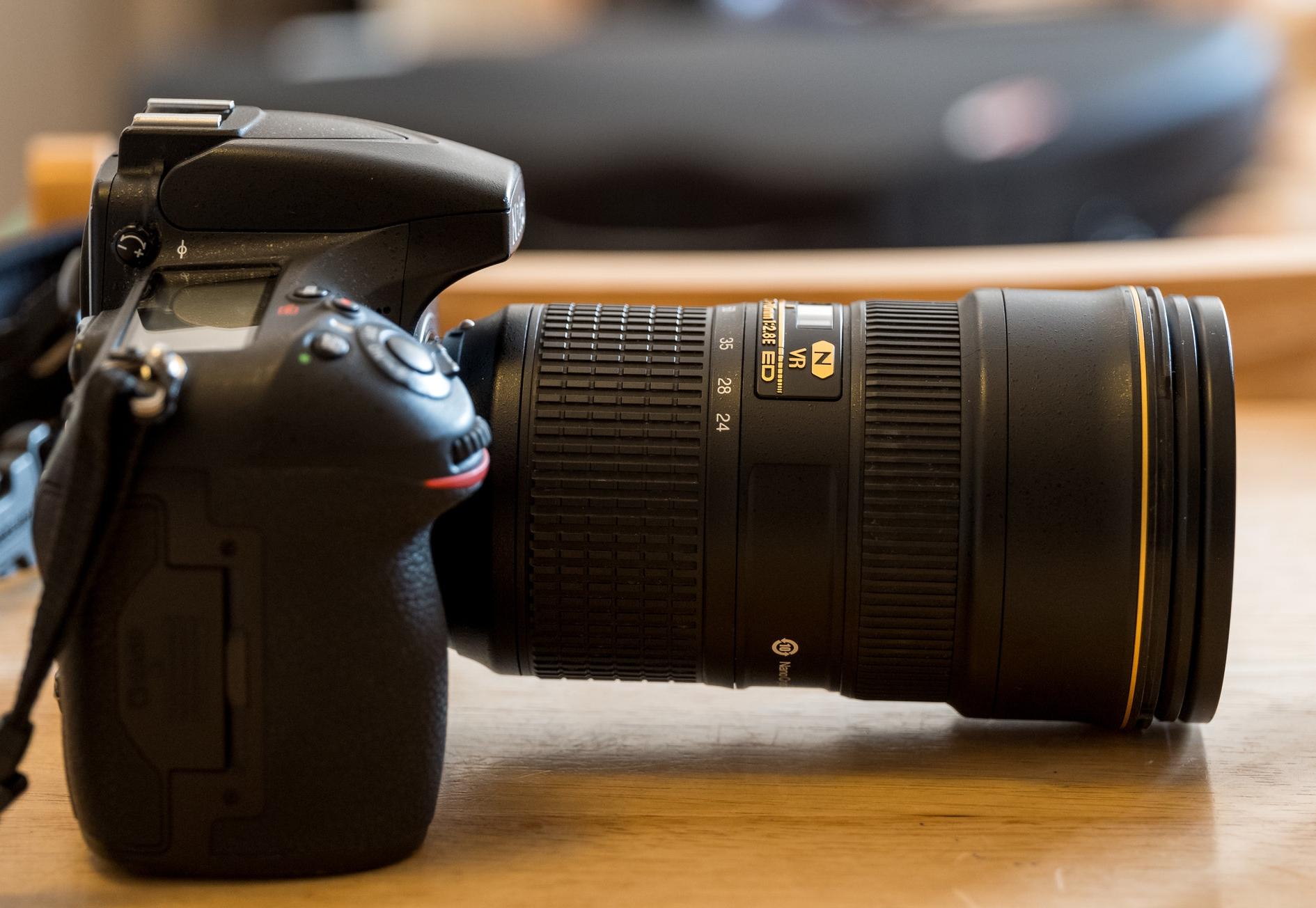 Nikon D810 + 24-70mm VR