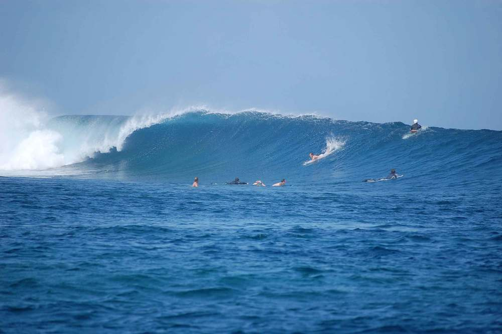 WAVES YANUCA.jpg