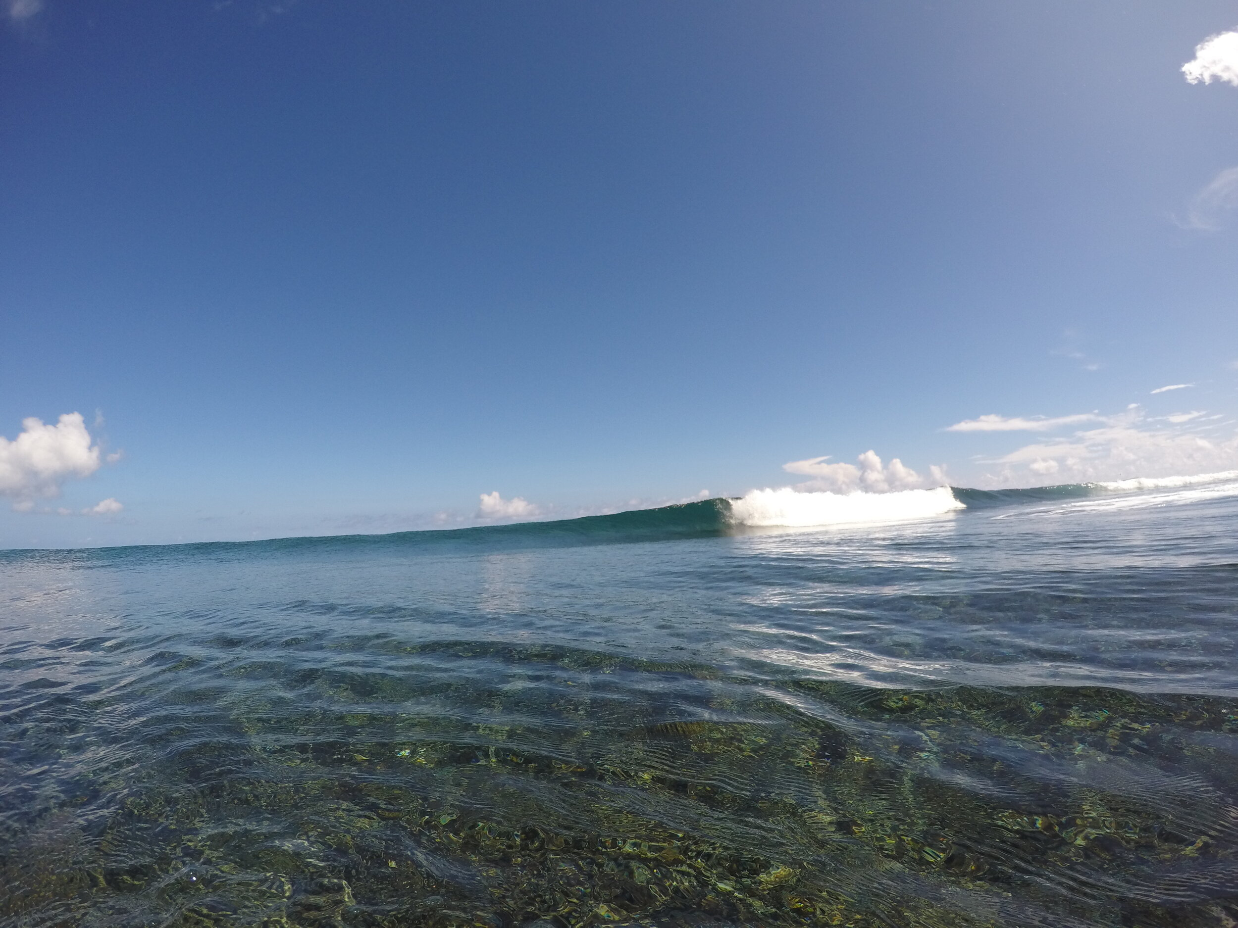 Imagine surfing this with a couple of mate - Surf The Solomons
