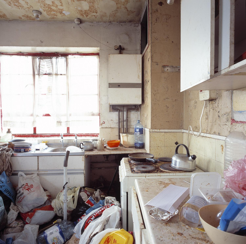 CRACK.KITCHEN.01_©AOliver.jpg