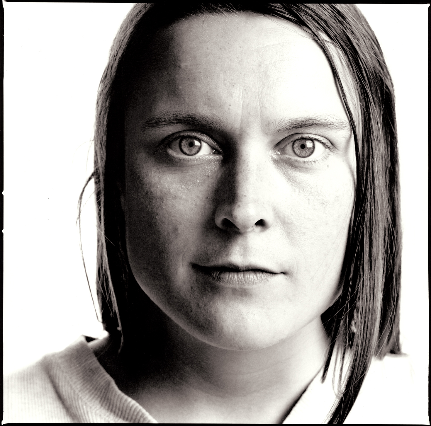 Sarah Lucas, YBA.  Portrait by Anthony Oliver