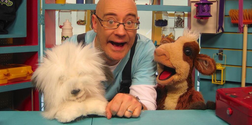 Magic and puppets for childrens parties from Reuben the Entertainer