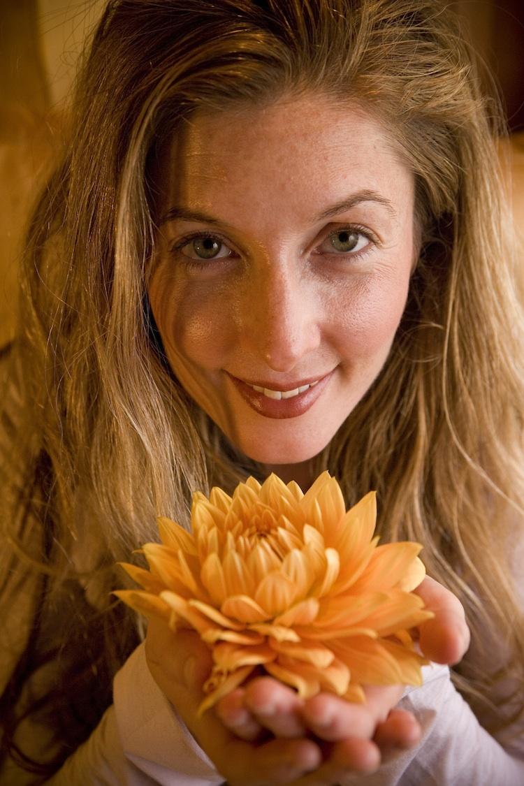 Amanda Snow  offers energetic medicine and massage.