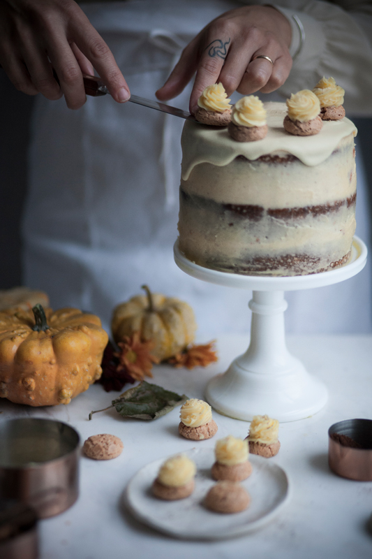 coffee pumpkin cake with amaretti frosting and white chocolate