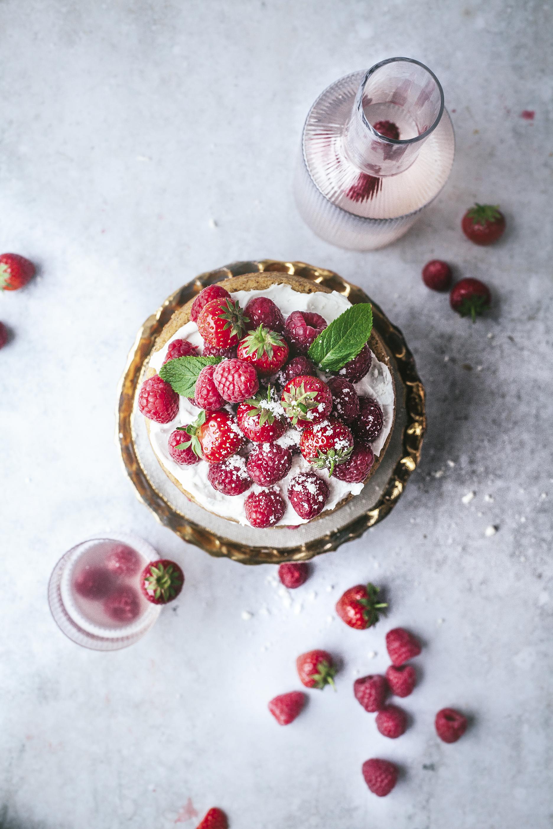 red berries victoria sponge_vegan