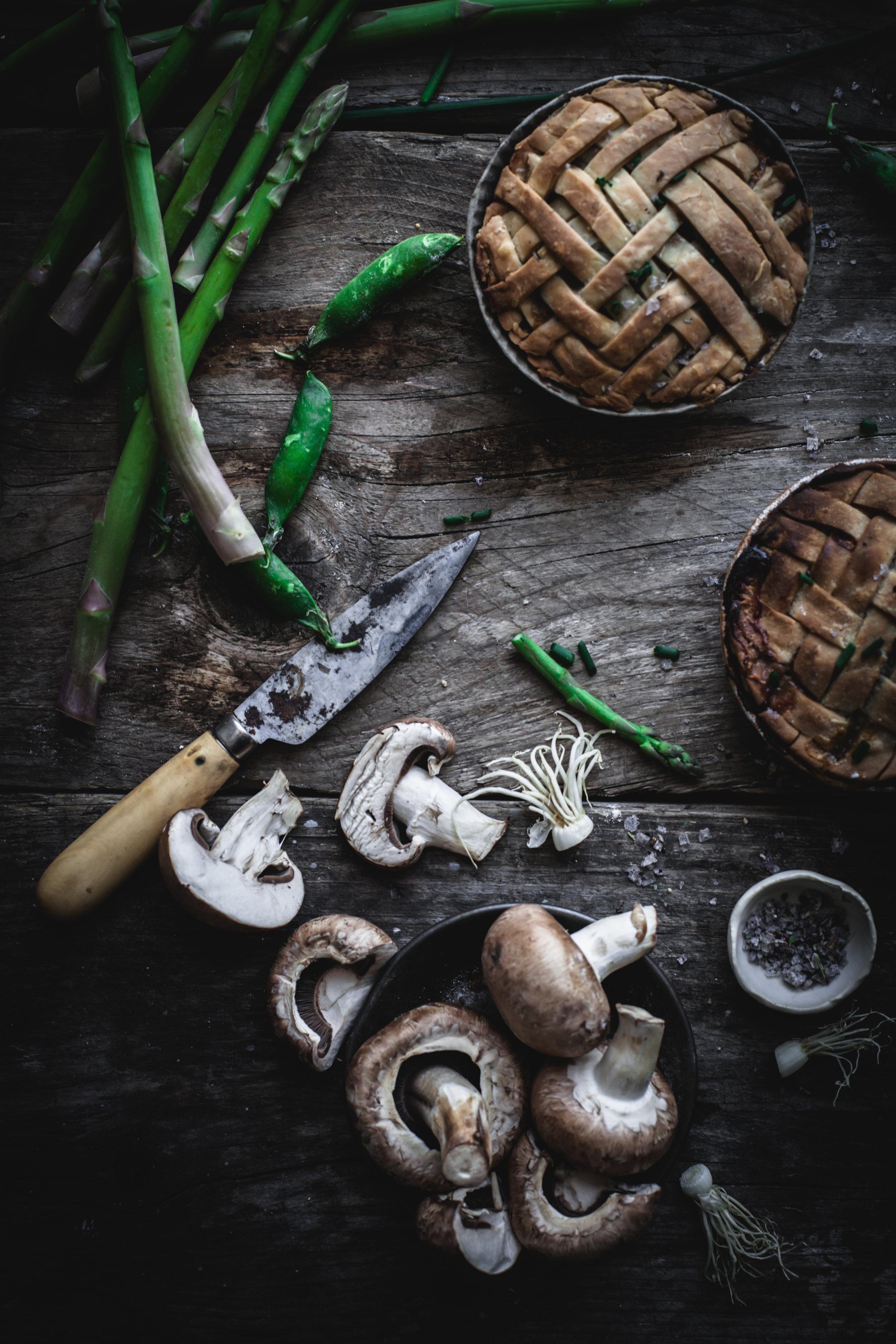 vegetables mini pies with lattice