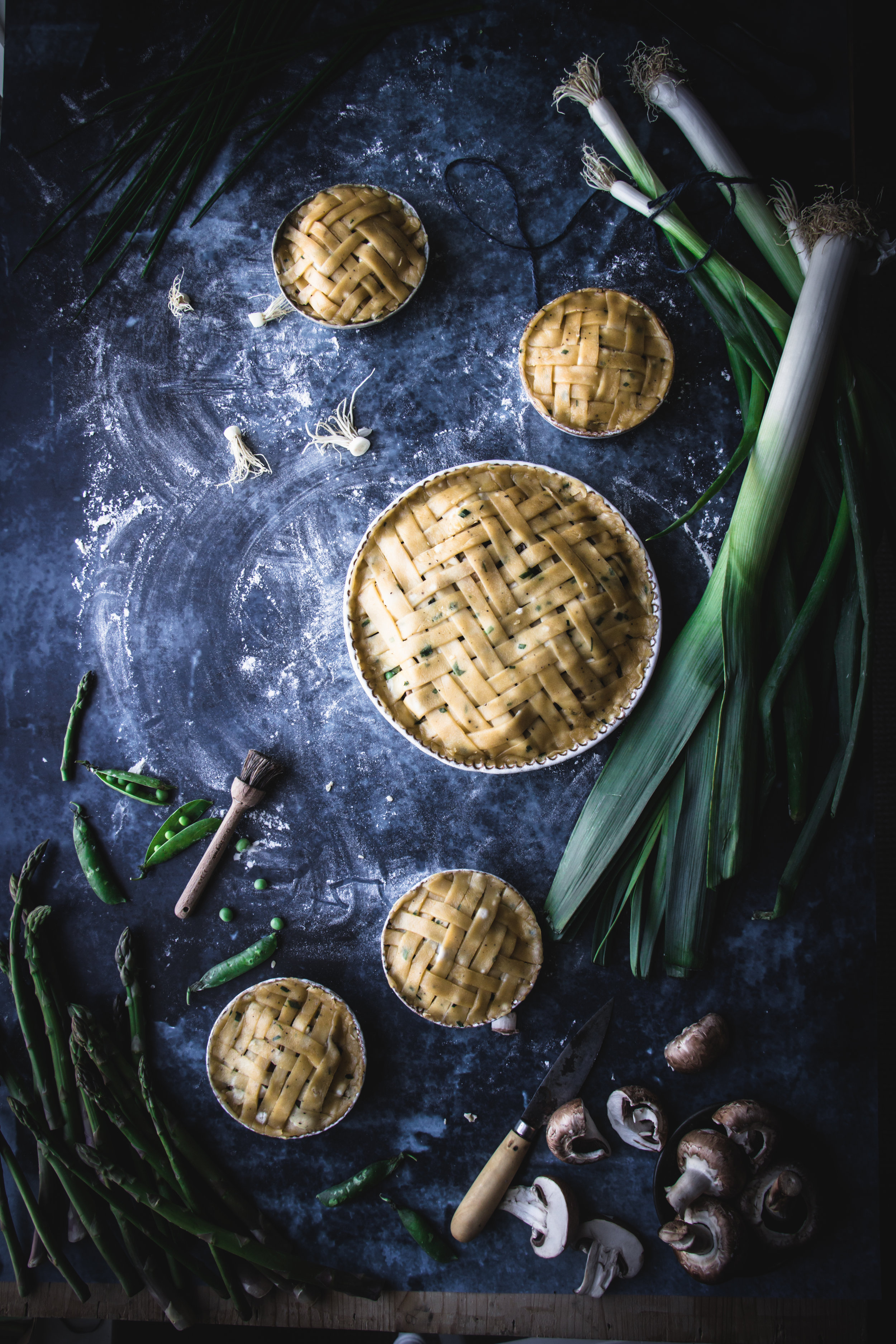 vegetable pies with herbs pastry