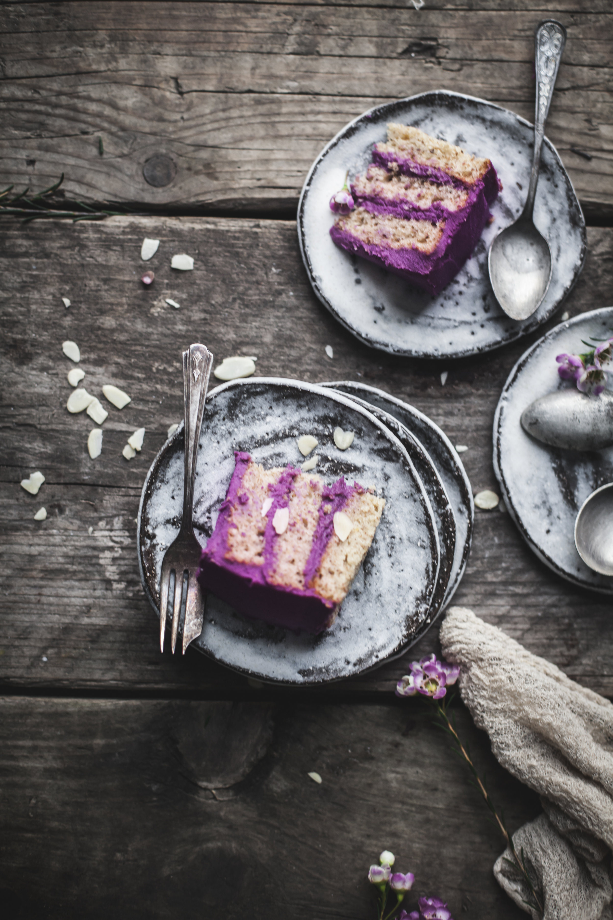 THRIVE_silvia_salvialimone2018_RECIPE_PURPLE CAKE01.jpg