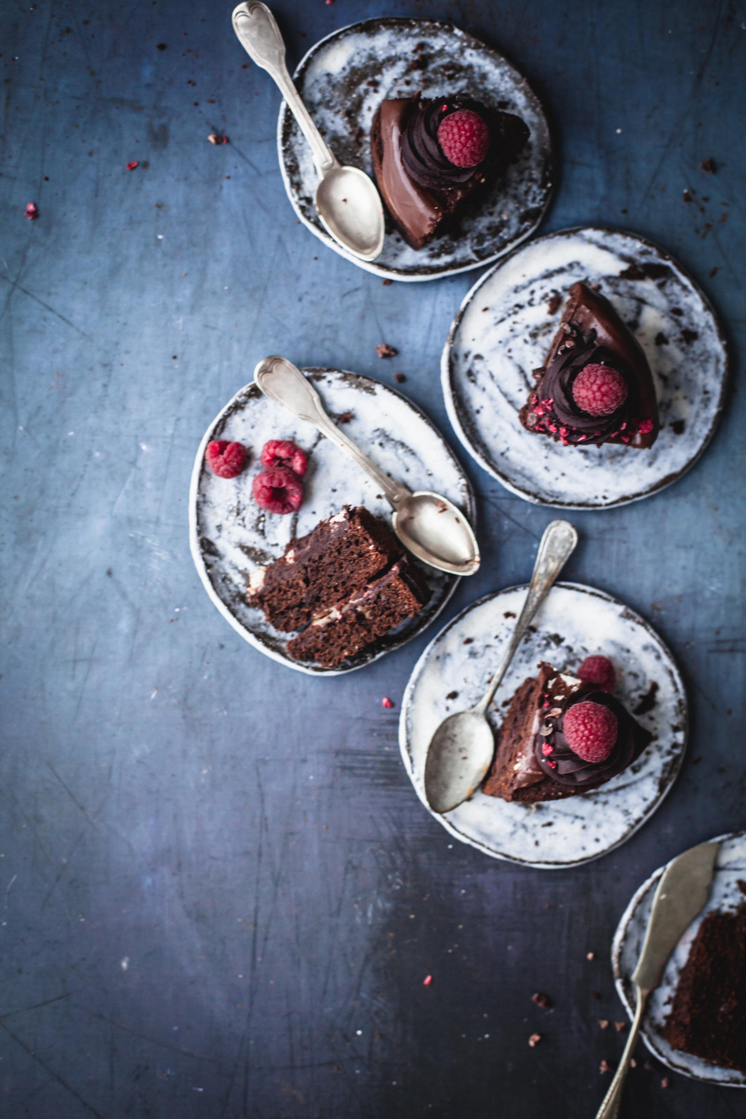 Raspberry Chocolate Cake with Marshmallow Dripping #nutfree