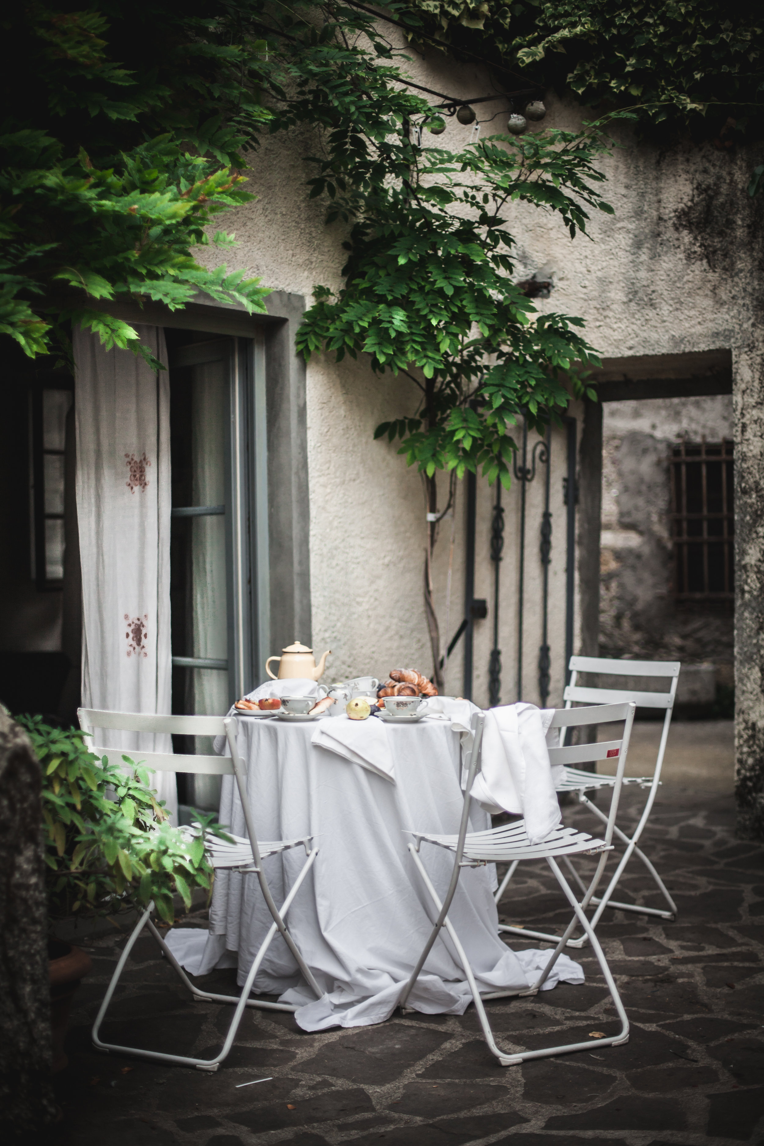 Garden Brunch in our Retreat Venue in Tuscany