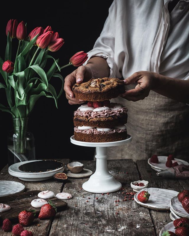When I think back at how I started is clear I had no clue on anything🤣. A bit like John Snow🙈. Instagram was a very small platform and we were all somehow testing the waters. I was posting once a week, and I was probably the only one doing this kind of layered vegan cakes. And very few ventured into food photography.  However as the platform grew, more skills awesome ideas and creativity poured into it at a dizzying speed. The level of skillset and artistry now is so incredible, is a sea of stunning talents. . .  Although is not possible anymore to work here without at least the minimum of professional photography skills, one thing remains always possible, find a unique irreplaceable style that stands out. . . We are all different. You are special. What you can envision nobody can. Your creativity skills are just waiting to be unfold. Once you get the techniques, the brick-and-mortar, with patience and passion you can go anywhere you like to be.  I know is hard to believe when you don't see it happening in the present moment. . .  But please, do something for me, dream high!  Dreams are the fuel, the enamouring of the creativity. . Goals are the long term, more steady loves that we nurture along the way. They require intentional commitment. They don't live long with solely hope. We need to invest and believe in them. They are the realisation of the dream!.⠀⠀⠀⠀⠀⠀⠀⠀⠀ So if you want to see your dream becoming reality invest in yourself, you deserve it!! .⠀⠀⠀⠀⠀⠀⠀⠀⠀ .⠀⠀⠀⠀⠀⠀⠀⠀⠀ .⠀⠀⠀⠀⠀⠀⠀⠀⠀ .⠀⠀⠀⠀⠀⠀⠀⠀⠀ .⠀⠀⠀⠀⠀⠀⠀⠀⠀ .⠀⠀⠀⠀⠀⠀⠀⠀⠀ .⠀⠀⠀⠀⠀⠀⠀⠀⠀ .⠀⠀⠀⠀⠀⠀⠀⠀⠀⠀⠀⠀⠀⠀⠀⠀⠀⠀ .⠀⠀⠀⠀⠀⠀⠀⠀⠀⠀⠀⠀⠀⠀⠀⠀⠀⠀ .⠀⠀⠀⠀⠀⠀⠀⠀⠀⠀⠀⠀⠀⠀⠀⠀⠀⠀ .⠀⠀⠀⠀⠀⠀⠀⠀⠀⠀⠀⠀⠀⠀⠀⠀⠀⠀ #veganchocolate #veganstrawberrycake #storytelling #veganchocolatecake #aquafaba #sweetpotatofrosting #veganmeringue #foodstyling⠀⠀⠀⠀⠀⠀⠀⠀⠀⠀⠀⠀⠀⠀⠀⠀⠀ #mycommontable #whatveganseat #poweredbyplants #veganuk #f52grams #lifeandthyme #foodphotography  #huffposttaste #verilymoment #foodstylist #foodphotographer #foodandwine #plantbasedchef #hautecuisines  #herbivore #plantpowered #darlingweekend #fromscratch #salvialimone