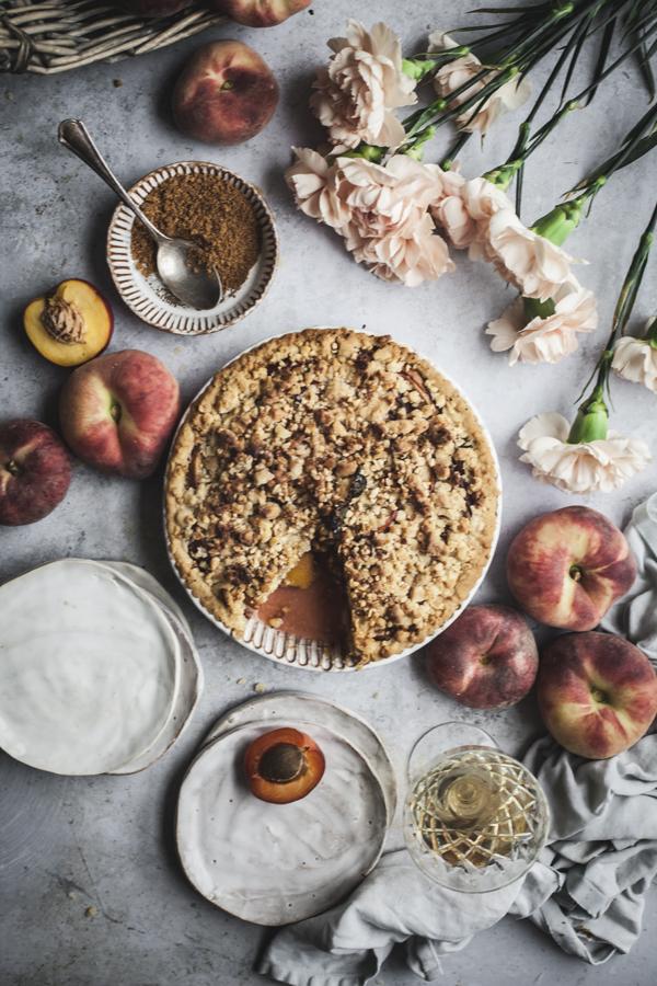 stone fruit crumble pie with caramel #vegan