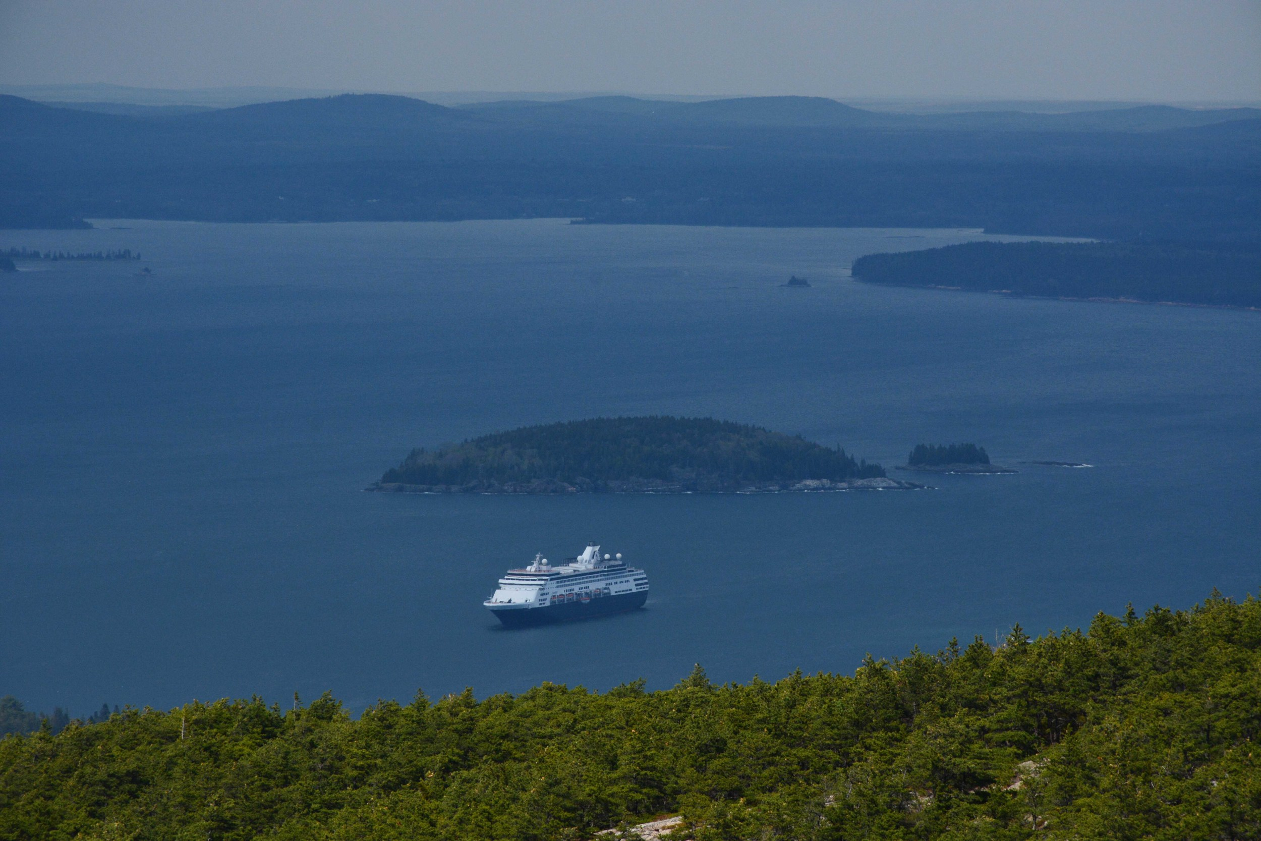 maine-05-2015-cadillac-hike-cruise-ship-view