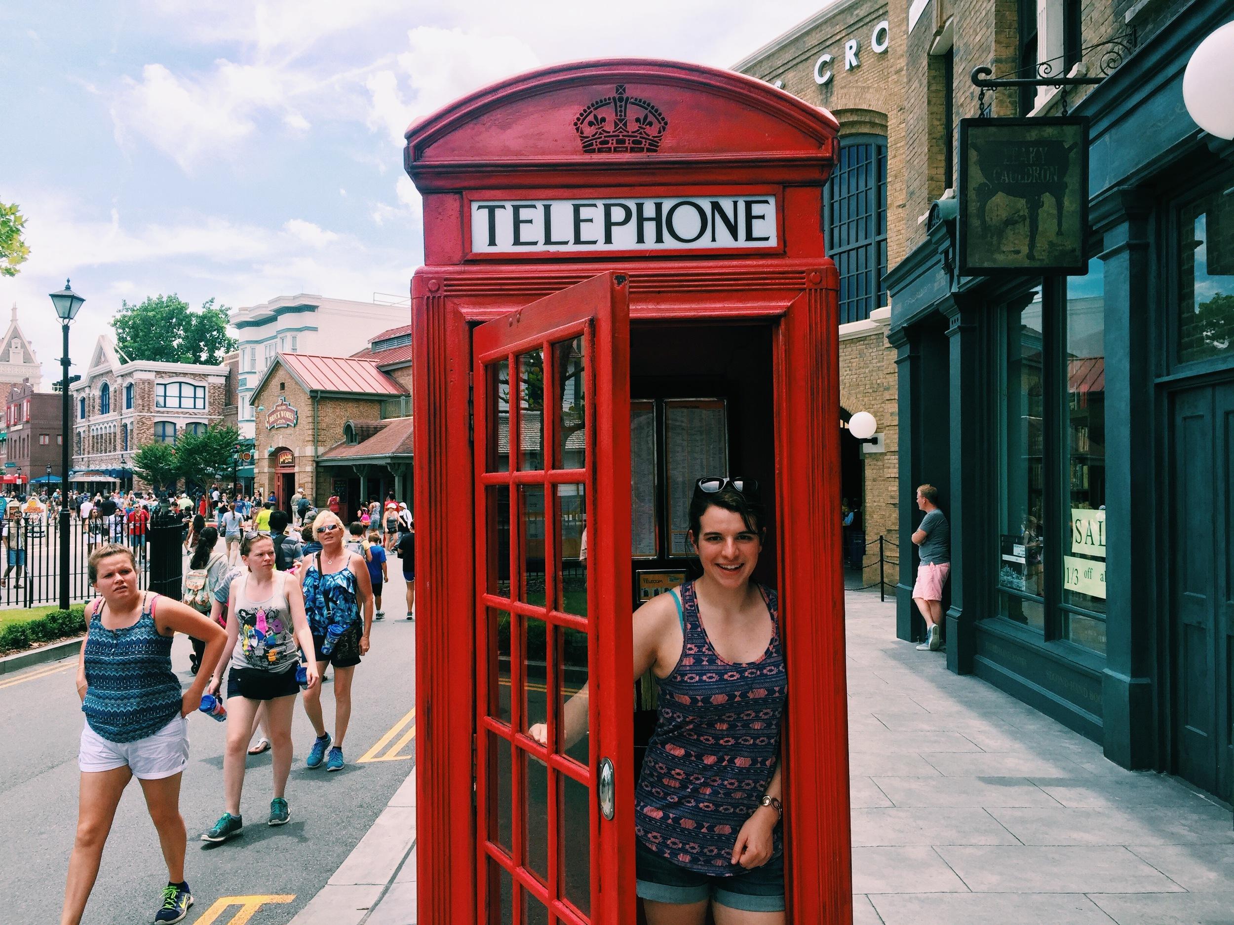 universal-studios-orlando-diagon-alley-telephone