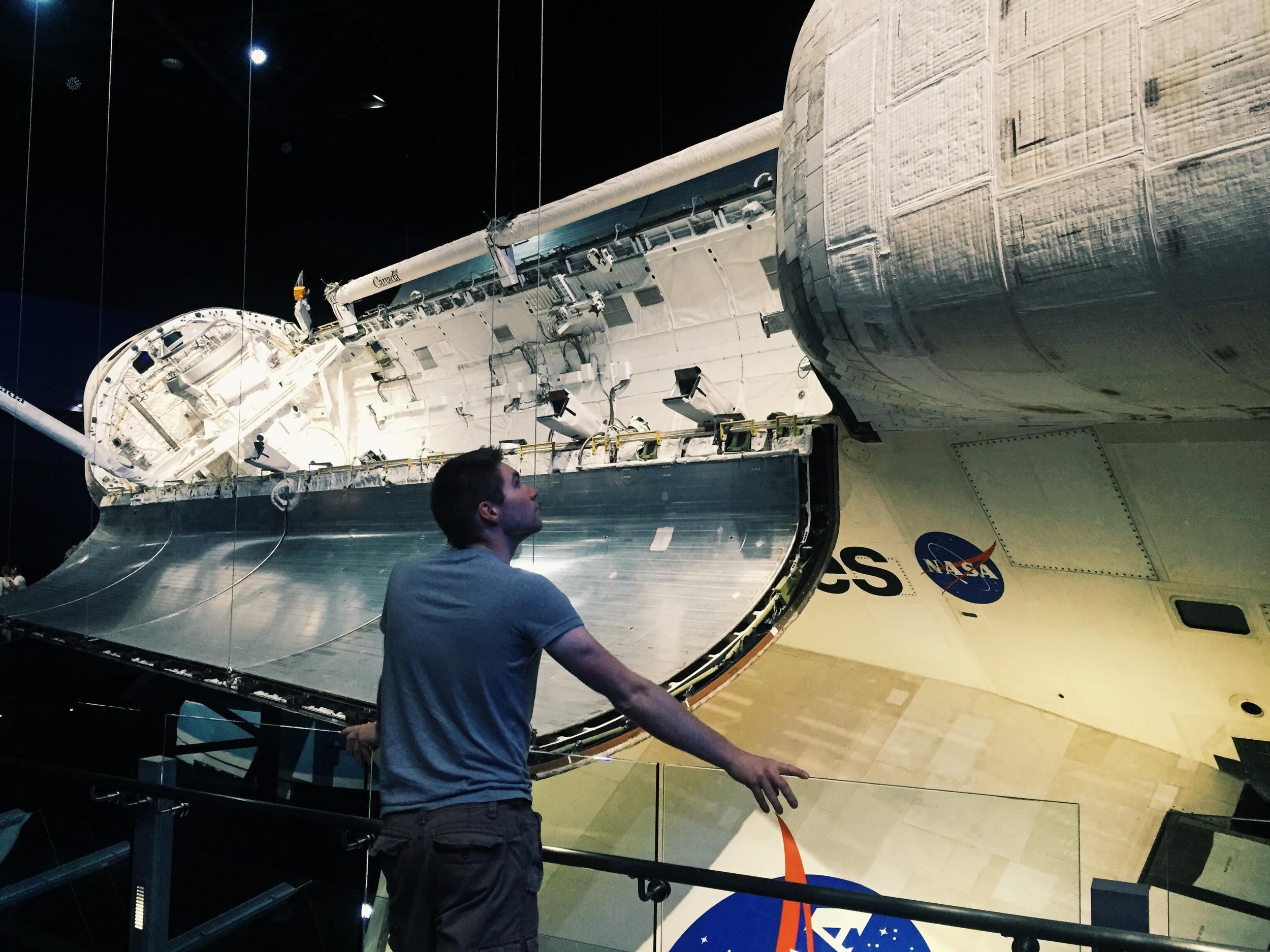 space-shuttle-atlantis-cargo-bay