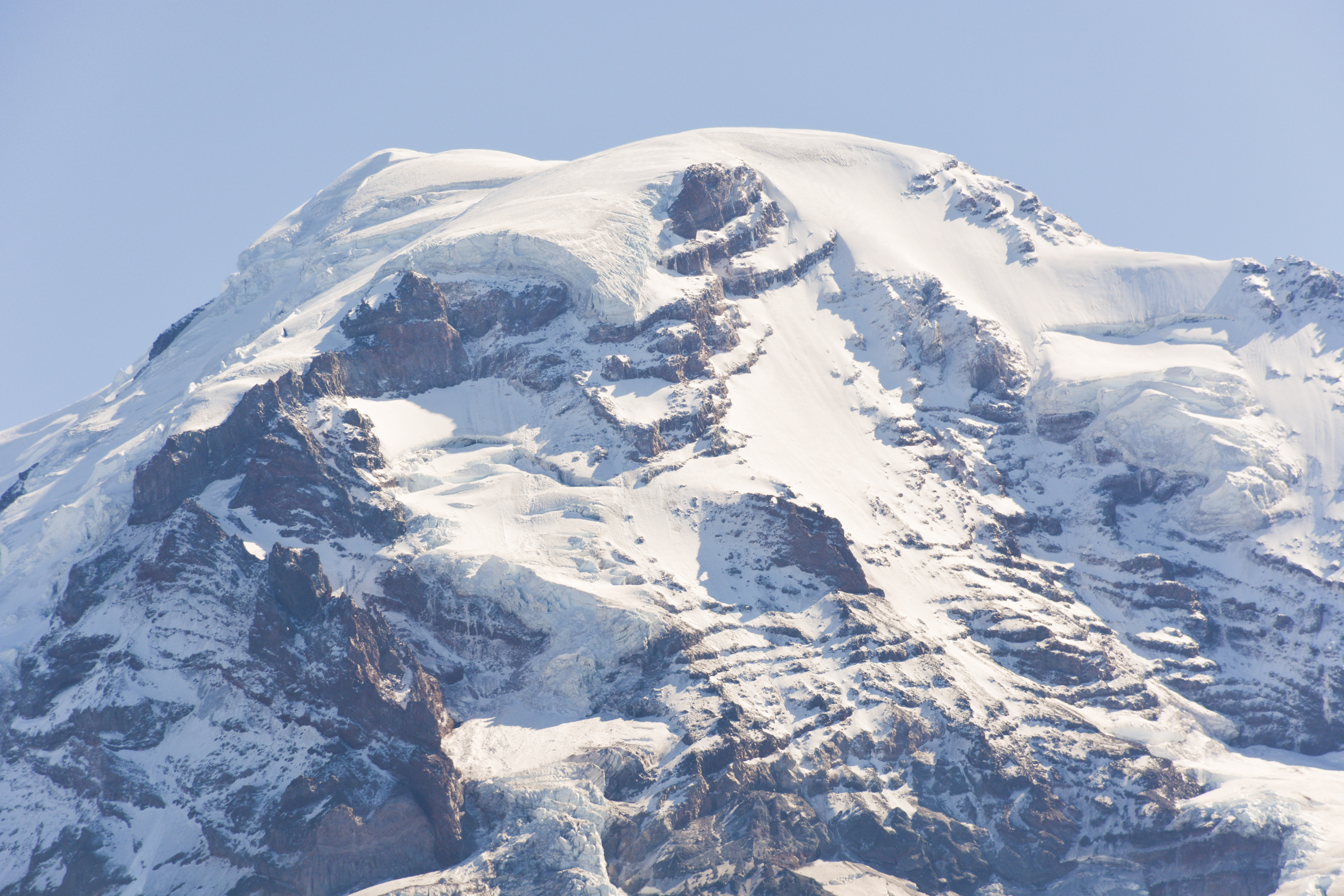 Icy summit of Mount Rainier as seen from Eagle's Roost