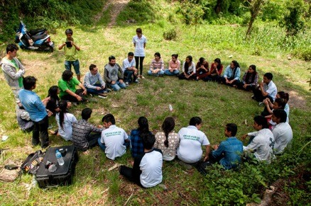 IN THE PHOTO:  REFORESTATION EFFORT IN NEPAL IN 2016. IDEAS FOR US LEADS A HIVE SESSION IN POKHARA, NEPAL WHERE STUDENTS SPENT HOURS DEVELOPING AN IDEA INTO AN SDG FOCUSED PROJECT THAT HAS CLEAR GOALS, METRICS, AND PERFORMANCE INDICATORS. PHOTO CREDIT: IDEAS/CHRISTOPHER STAMPAR