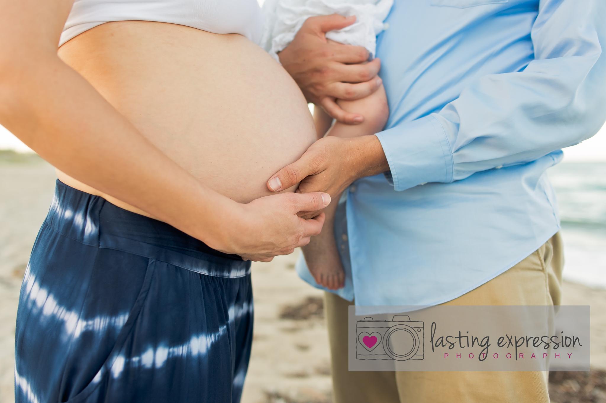 rivera-maternity-logo-8.jpg