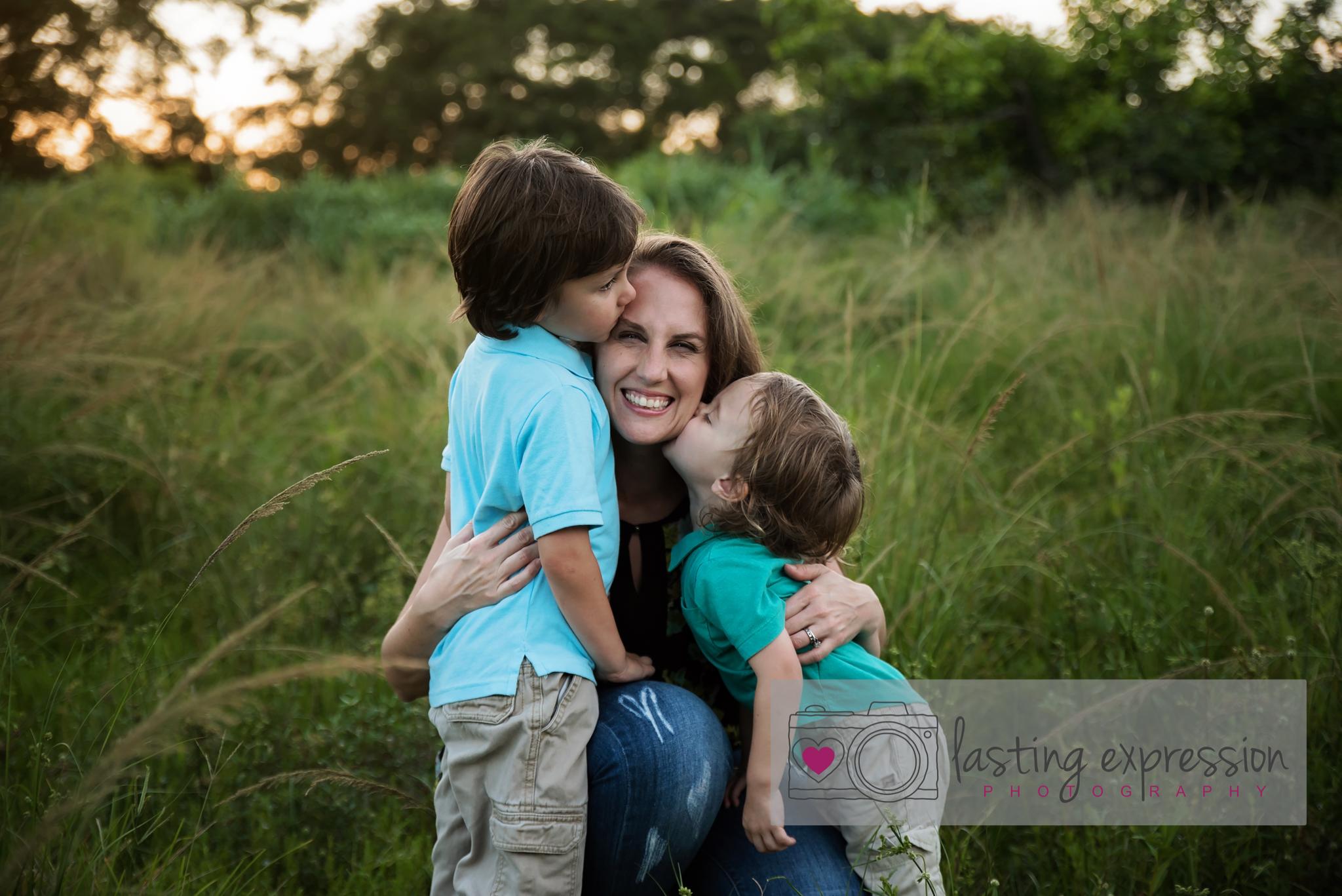 mommy&me-logo-4.jpg