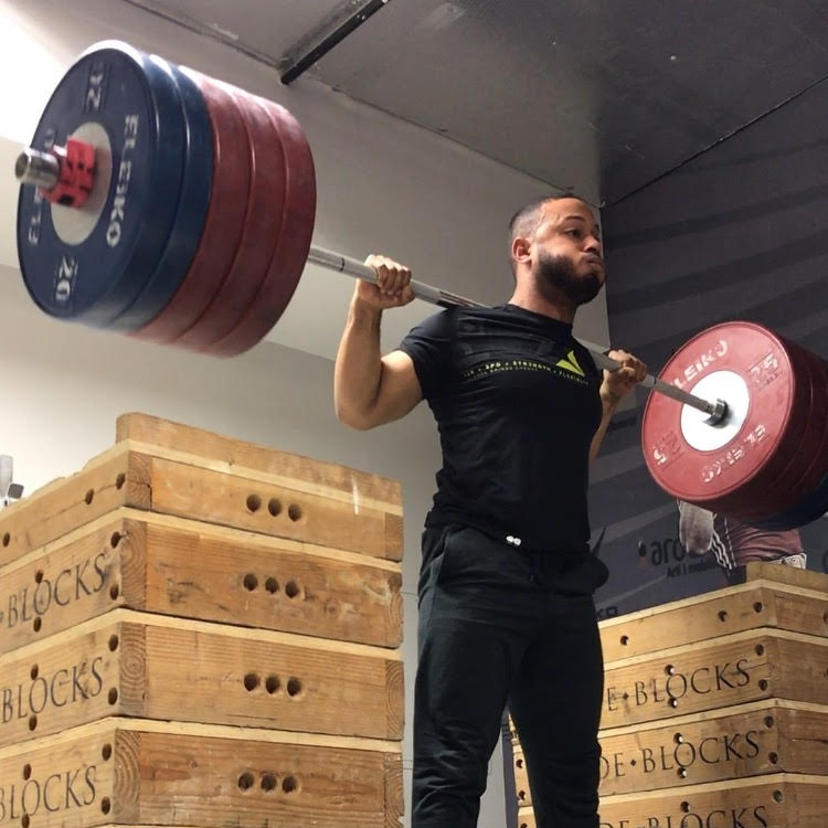 nick de freitas j2fit weightlifting.jpg