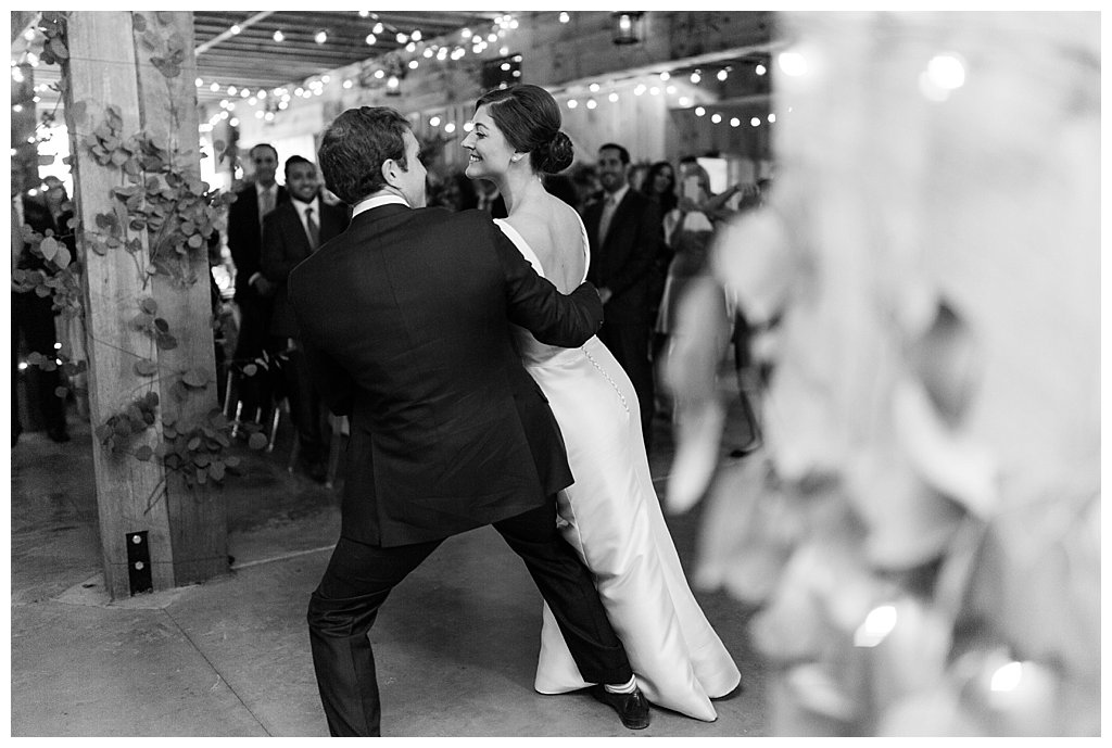 01. This slick af move during the first dance. - Kristi and David — Oak Hudson Estate