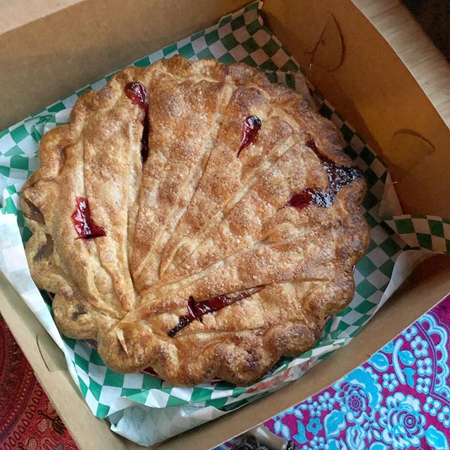 Soon, you gotta get yourself a tart cherry pie from Spinning J. It's the best we've had. Pure joy. @spinningjchicago #chicago #bbq #picnic #holiday #julyfourth #weekend