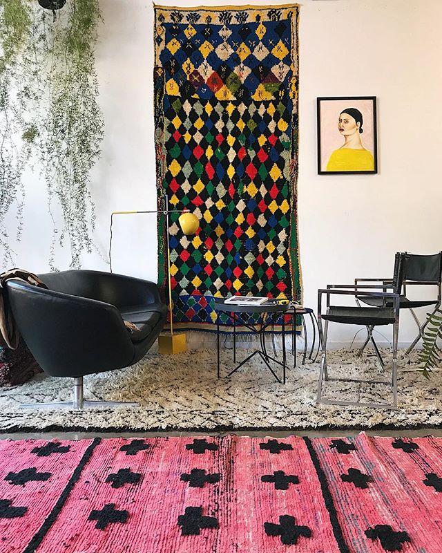 ➕ pink (details 👆in stories) - - - - - #moroccanmodern #textileart #moderndesign #modernart #berberart #interiors #worldofinteriors #textilelove at #katandmaouche in #oldtownpdx #downtwnpdx #portland