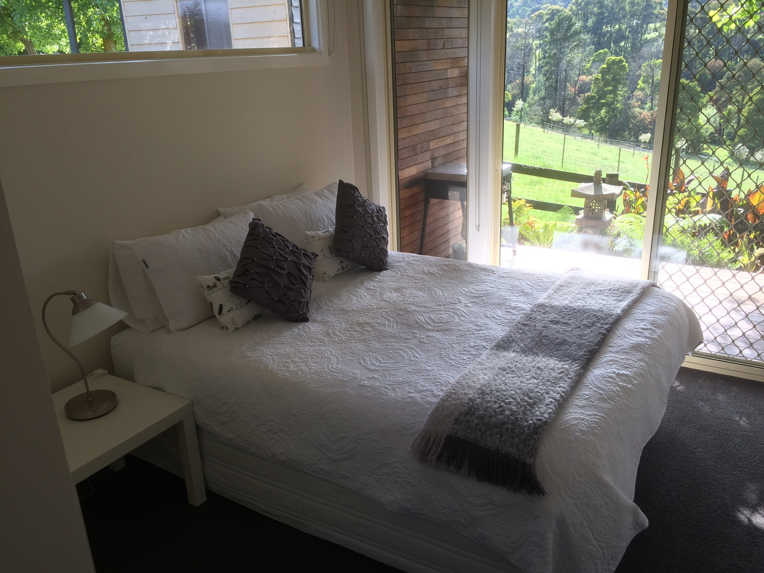 Bed 2 Bed.JPG