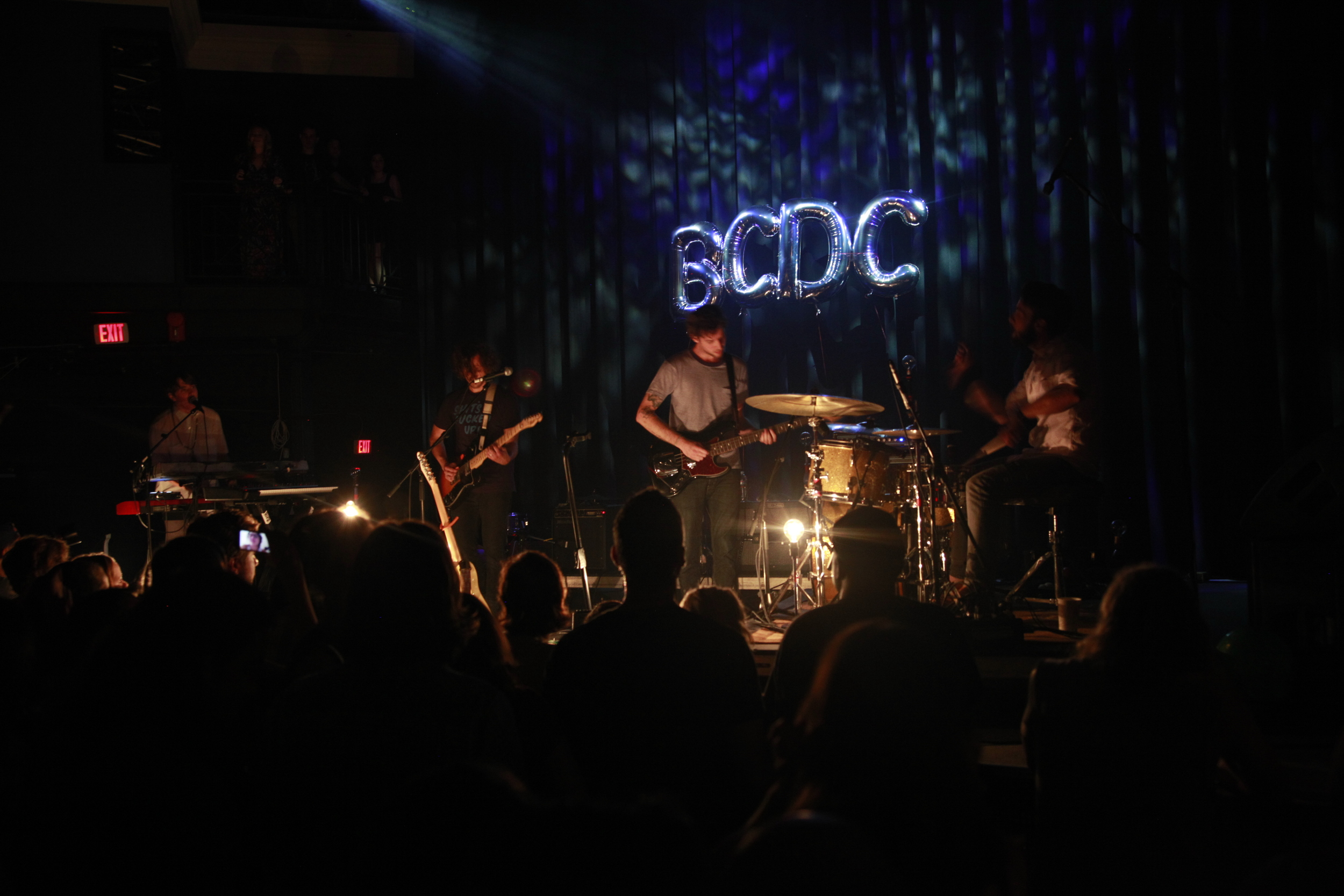BCDC-2015Aug22_Young-Rapids_Dark-Stage-Balloons_7860.JPG