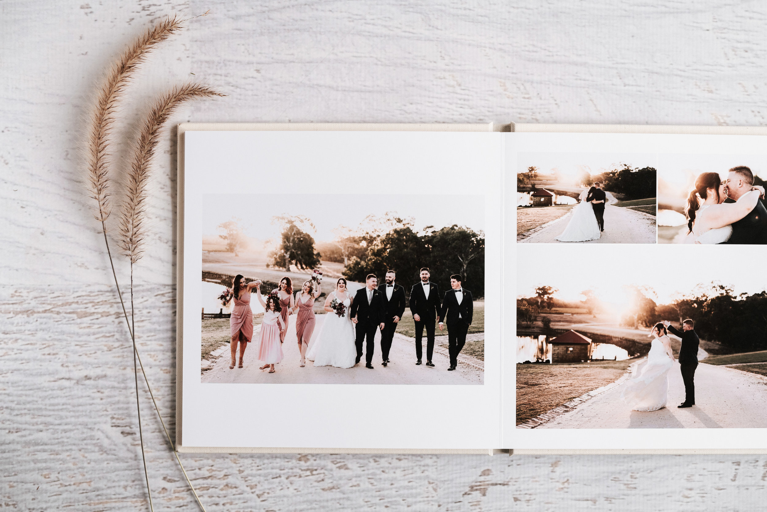 Beautifully binded with sturdy and professionally printed pages